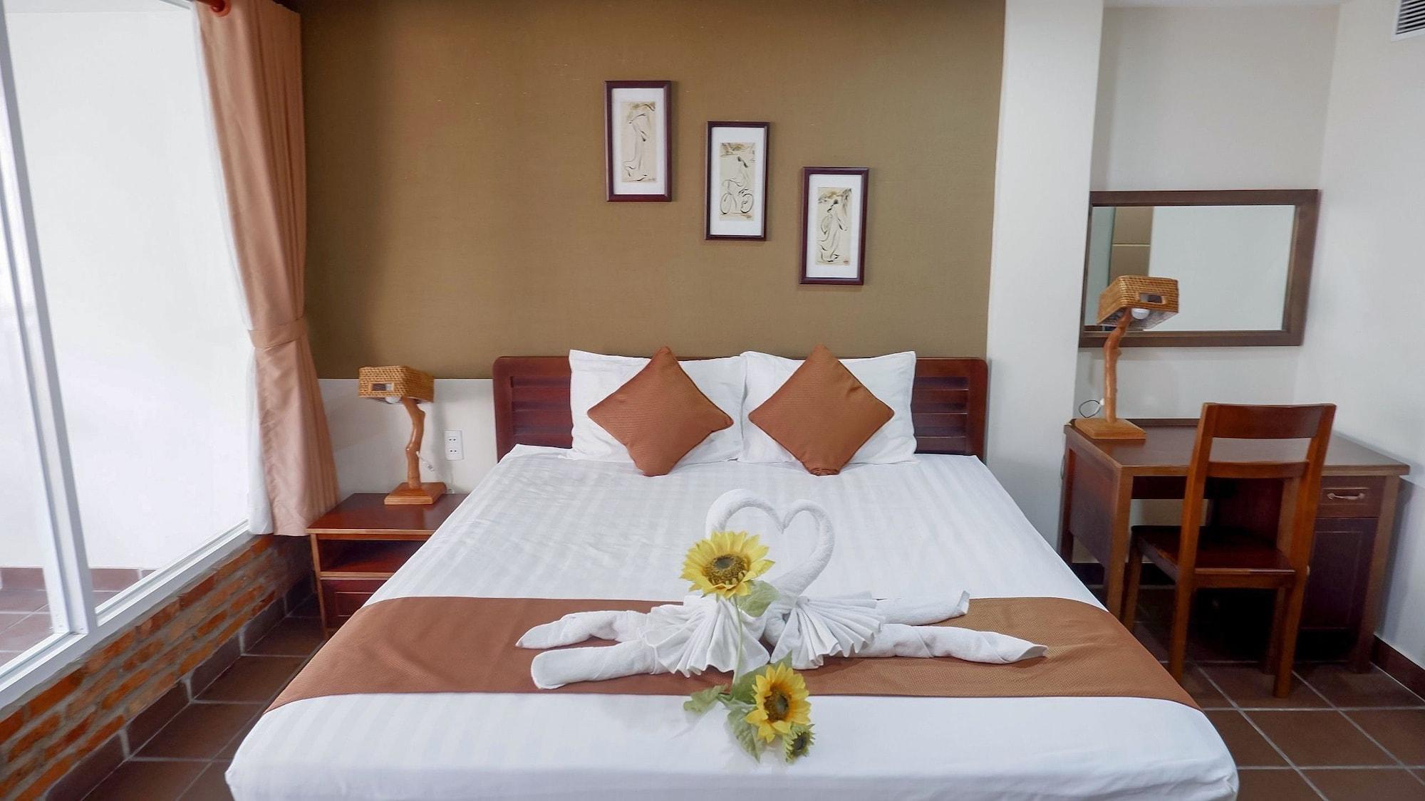Ananas Family Hotel, Phú Nhuận