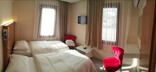 Liman Otel, Çeşme