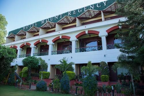 . Hotel Mount Regency