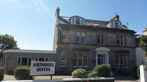 . Ardshiel Hotel