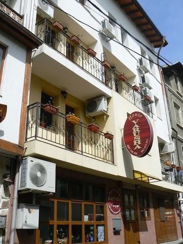 . Hotel Varusha