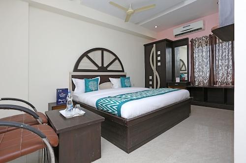 OYO 10188 Hotel DS Grand Inn, Medak