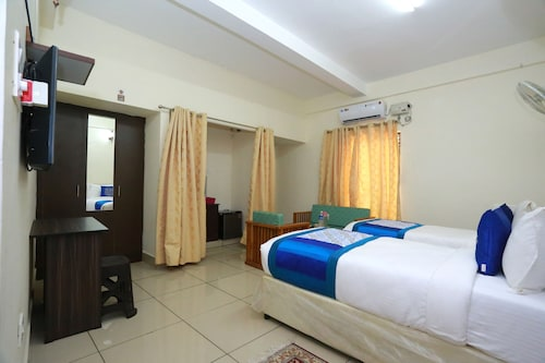 OYO 10320 Sophiya Suites, Ernakulam