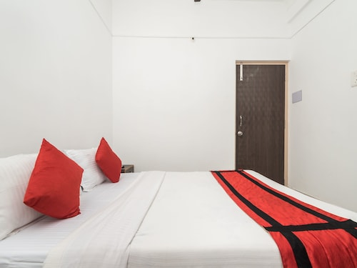OYO 10364 Fortress Guest House, North 24 Parganas