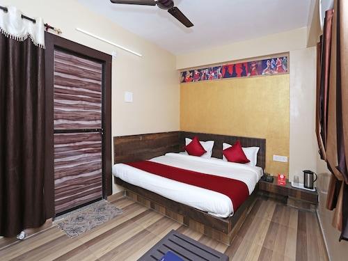 OYO 10137 Hotel Vaishnavi, Kota