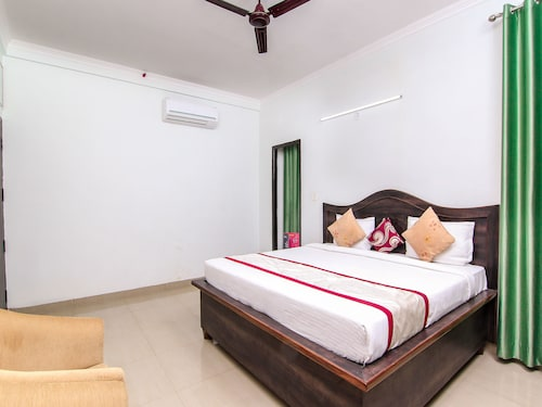 OYO 7590 Arena Stays, Lucknow