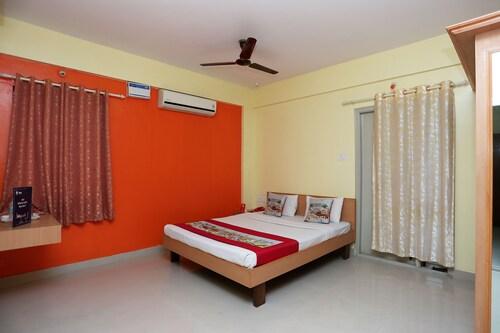 OYO 9137 Jasmine Suites, Mysore