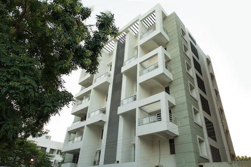 OYO 10024 Orange City Apartments, Nagpur