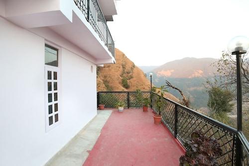 OYO 10305 Home 1 BHK Himsutra Bhattakufar, Shimla