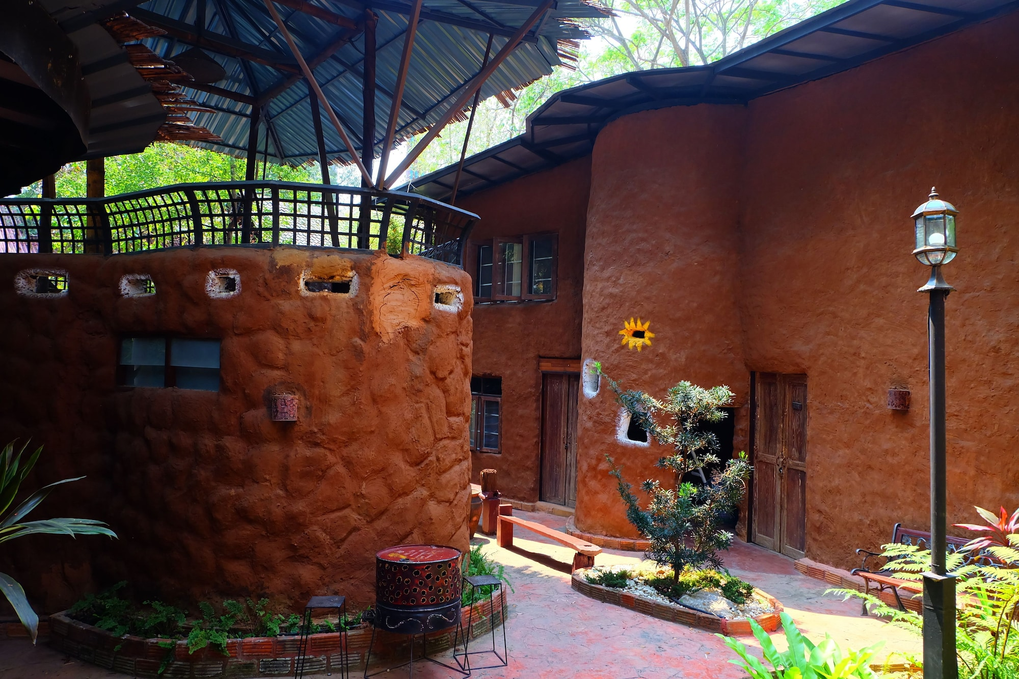 Chiang Mai Unique Mud Houses, Hang Dong