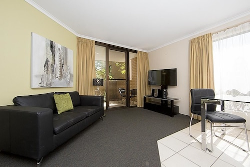 Accommodate Canberra - Kingston Court, Kingston