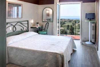 Comfort Tek Büyük Yataklı Oda, Balkon, Göl Manzaralı