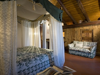 Romantic Suite, 1 King Bed, Balcony, Mountain View