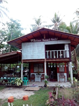 BATUAN HAMMOCK HOSTEL Exterior
