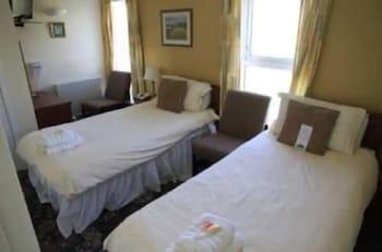 Twin Room, 2 Twin Beds, Ensuite (Room 1)