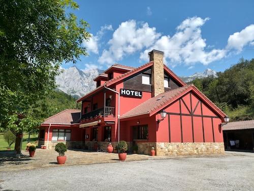 . Hotel El Jisu