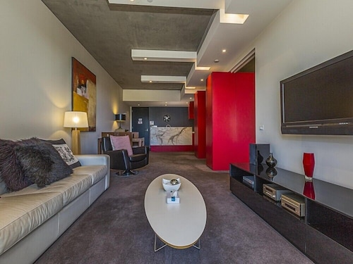 . Accommodate Canberra - New Acton