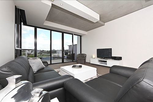 Accommodate Canberra - The ApARTments, City
