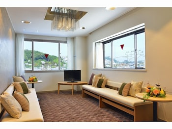 HOTEL LIGARE KASUGANO Living Area