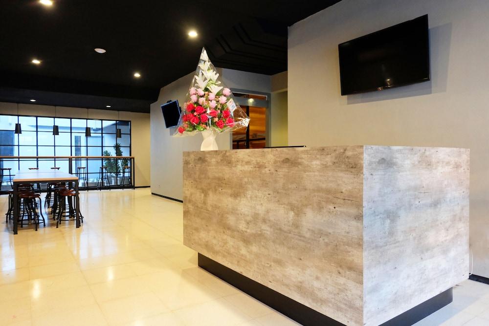 Livinn Hostel City Center Surabaya