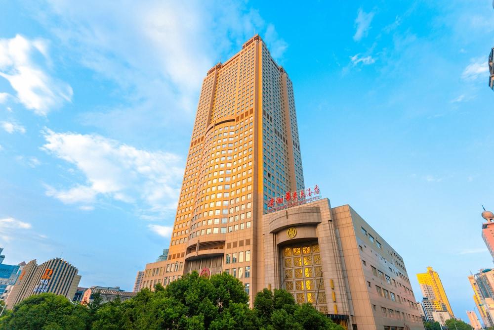 長沙シャオシャン ファティエン ホテル (长沙潇湘华天大酒店)
