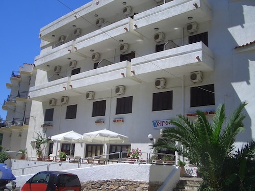Oinoi Hotel, North Aegean