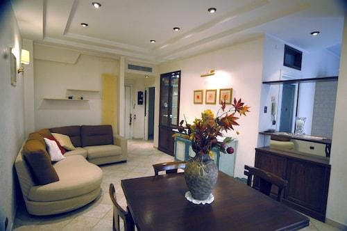 . Luxury Apartment In Rome