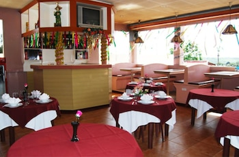 TAVER'S PENSION HOUSE Dining