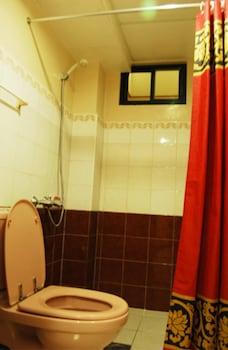 TAVER'S PENSION HOUSE Bathroom