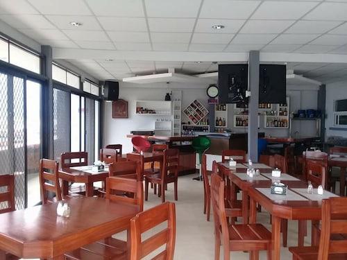 Cave Beach Resort, Dingalan