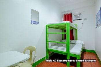 Triple Aircon Economy Room With Shared Bathroom