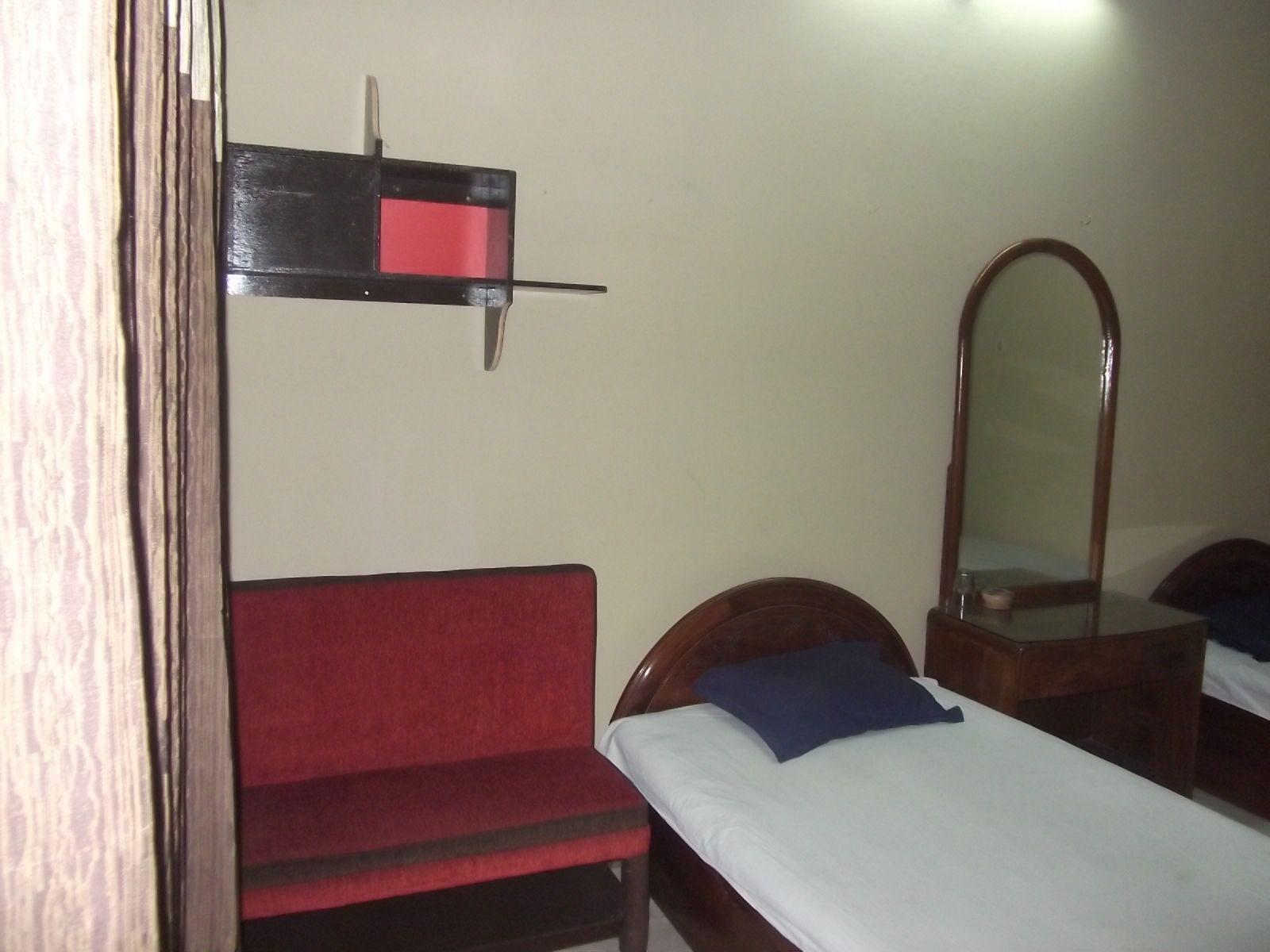 Azmiry Residential Hotel, Kustia