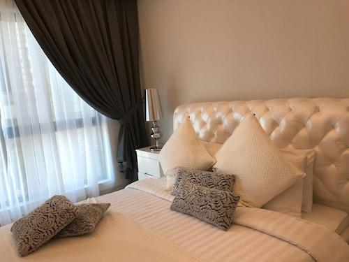 Al Manzil Residence Hidd,