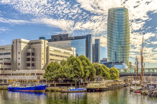 Q Canary Wharf Apartments - Arena Tower, London