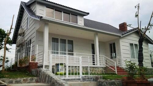 Beverly Hill Luong Son Resort, Lương Sơn