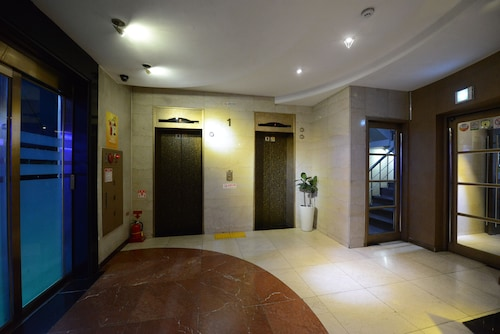 Central Tourist Hotel, Anyang