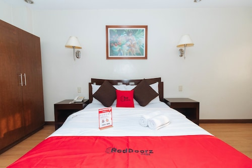 RedDoorz near SM STA MESA, Quezon City