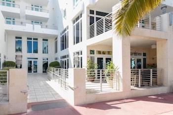 Modern Ocean Drive Condo in the Heart of Sobe! Apartment 2