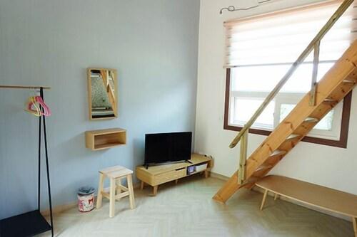 Namhae Seven House Pension, Namhae