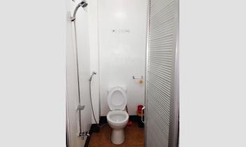 YSRAELA LODGING HOUSE - SABANG Bathroom
