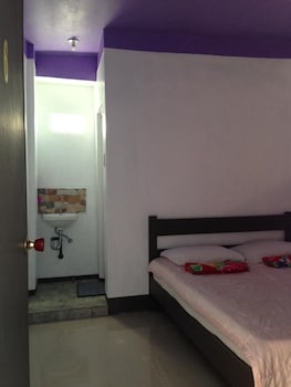 YSRAELA LODGING HOUSE - BURGOS - HOSTEL