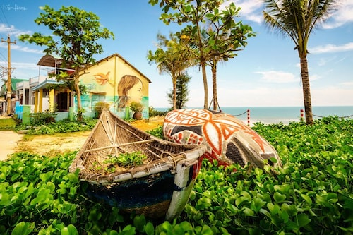 Whale Hotel, Thanh Khê
