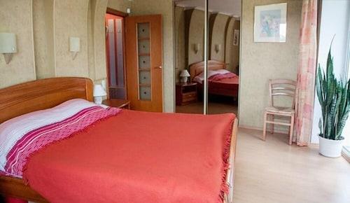. Tatianin Dom Apartment