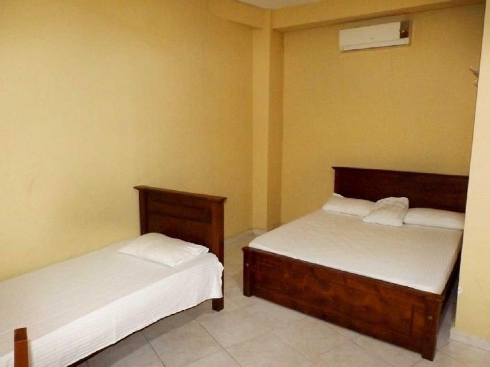 Omega Hotel & Motel