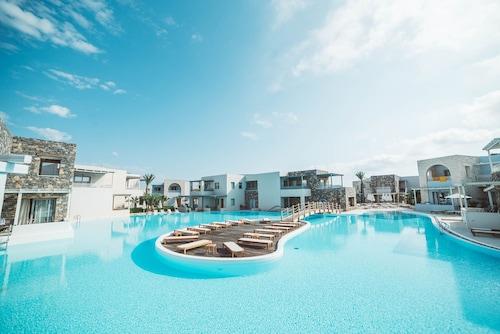 . Ostria Resort & Spa