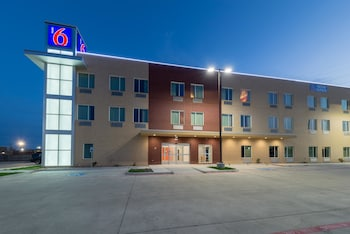 Exterior at Motel 6 Fort Worth North-Saginaw in Fort Worth