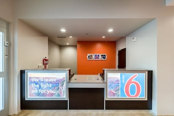 Lobby at Motel 6 Fort Worth North-Saginaw in Fort Worth