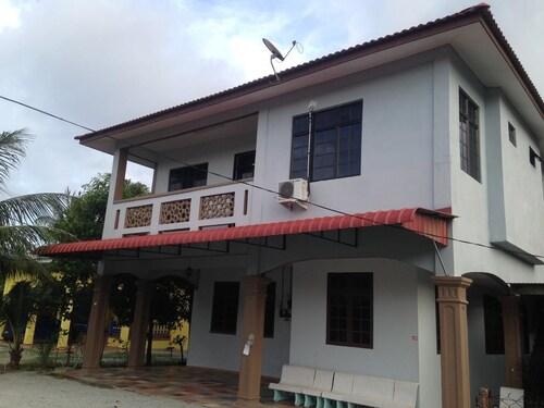 D Embun Homestay Airport Lodge, Kota Bharu