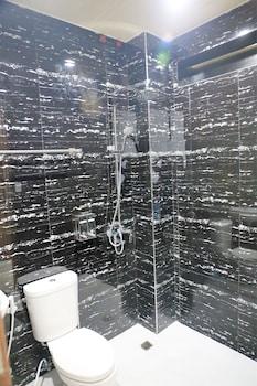 FOUR THIRTEEN SUITES Bathroom