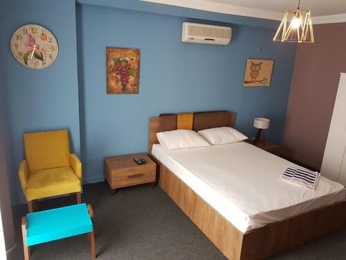 Retro Suites, Pendik